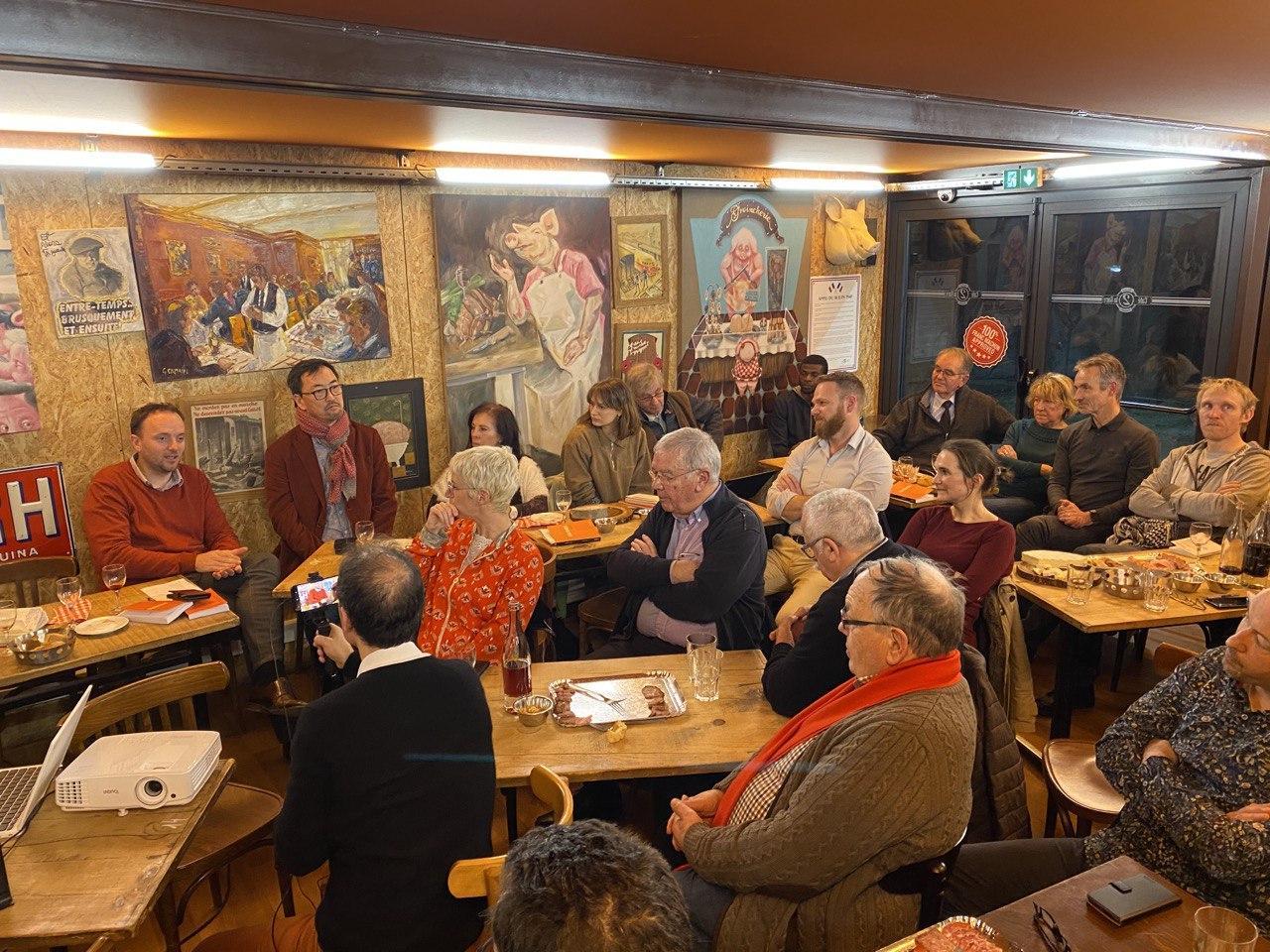 """Café-débat sur le changement climatique, à Brignais : """"On est tous des drogués au carbone !"""""""